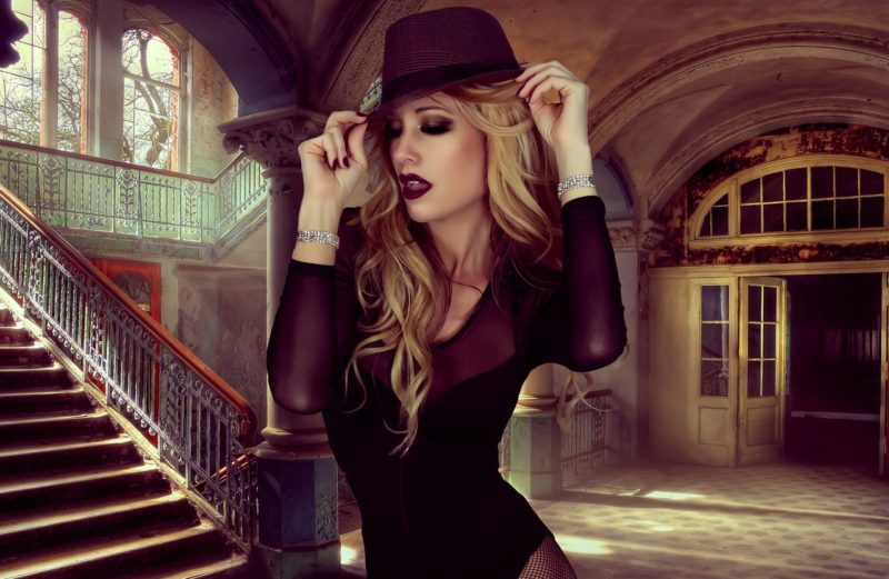Шляпка - фривольный аксессуар или необходимость? Is a hat a frivolous accessory or a necessity?